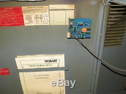 Hobart 725c3-24 48v 208-240 / 480vac Entrée Chariot Chargeur De Batterie 24 Cellules
