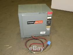 Hobart 880c3-24 48v 208-240 / 480vac Entrée Chariot Chargeur De Batterie 24 Cellules