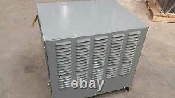 Hobart Accu Chargeur 750c3-12 24v 3 Phase Chargeur De Batterie Industrielle