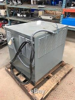Hobart Accu-charger 865c3-12 24v Chargeur De Batterie Chariot Élévateur