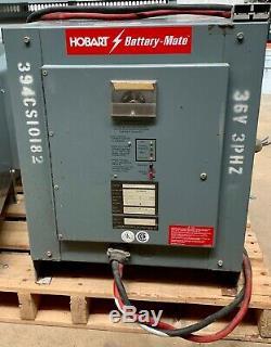 Hobart Battery Mate Modèle 88qh3-18 Chargeur De Batterie Pour Chariot Élévateur La 18 Cellules (101317)