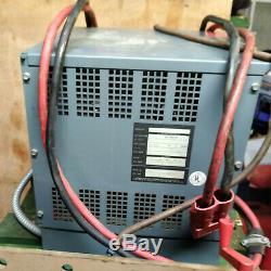 Hobart Chargeur De Batterie Chariot Élévateur Golf Voiturette 24v