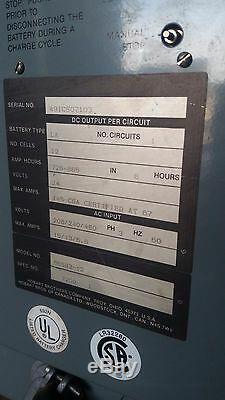 Hobart Chariot Élévateur Chariot Élévateur Chargeur De Batterie 24v 726-865 Ah 865h3-12 208/240/480