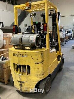 Hyster S55xms 5000 Lb Chariot À Gaz Avec Reconditionnés Batteries Et Chargeur