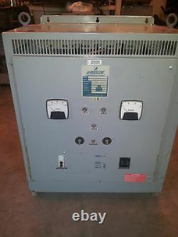 Lamarche A11b-25-130v-b1 240v 35 Ampères 56-60 Cell Pile Chariot Chargeur Solaire