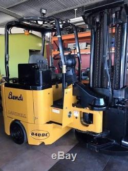 Landoll Bendi Forklift Avec Batterie Et Chargeur Inclus, Numéro De Modèle B40dc, 2011