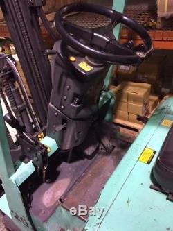 Mitsubishi 4k 36v Électrique Coussin Pneu Entrepôt Chariot Élévateur 3 Étape Mast Chargeur