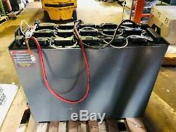 Nissan Clark Raymond, Etc. 18-125-13 Batterie De Chariot Élévateur Et Chargeur Hobart 250cii
