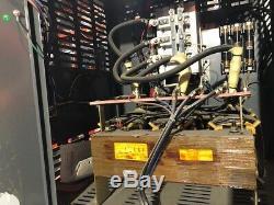Phase Utilisé Trois 36 Volt Chargeur De Batterie 1050 Amp Heure 600 Volts Entrée