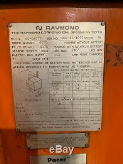 Raymond 60 C40tt Stand Up 4000lb Chariot Électrique Avec Batterie Et Chargeur De Travail
