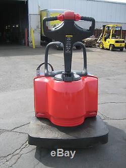 Raymond Modèle 2007 # 840 Jack, Cap 6000lb, 24v Avec Batterie Et chargeur, 48 Fourches