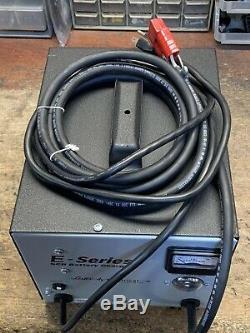 Série E Lester Électrique 24 Volts 25 Ampères Chargeur De Batterie