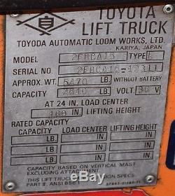 Toyota # 2fbca15 3,000lbs Electric Fork Lift Avec Chargeur De Batterie