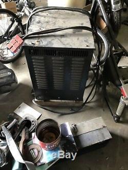 Trojan 2 24 V Chargeur De Batterie Élévateur Chargeur Modèle 12tp750c