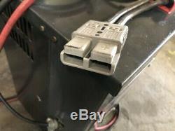 Trojan II 12 Volt Chariot Chargeur De Batterie 120/208 / 240v Monophasé