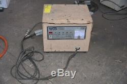 Vs Vossloh Schwabe Tbc 12-40-2r Chariot Élévateur Chargeur De Batterie 240v 24v 12 8 Heures Cellule