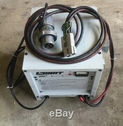 Yuasa / Little Giant Lgl-12-900b, Chariot Élévateur / Chargeur De Batterie / 24 V